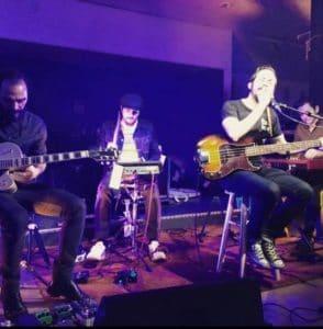 groupe de rock blues sur scène