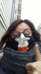 femme avec masque lavable