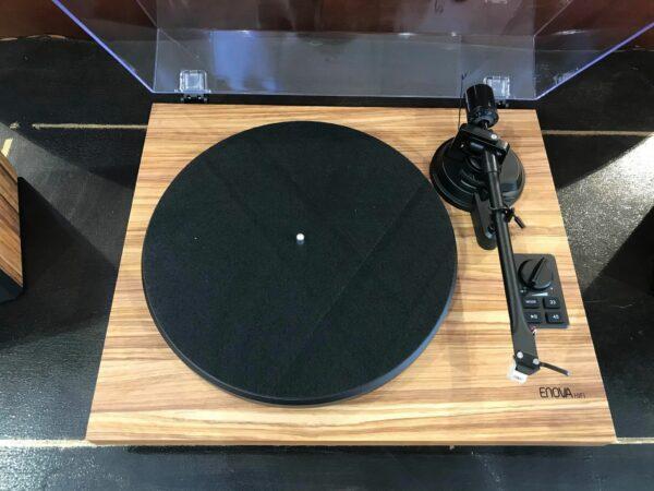 platine vinyle noire couleur bois