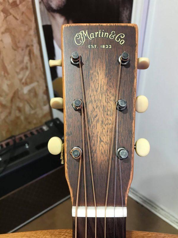 tête guitare marron