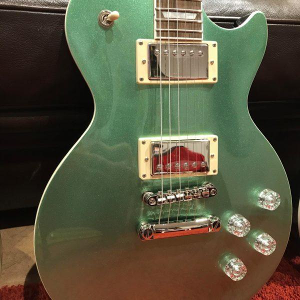 guitare électrique verte