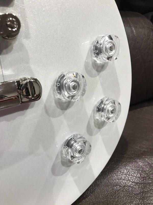 boutons de guitare transparents