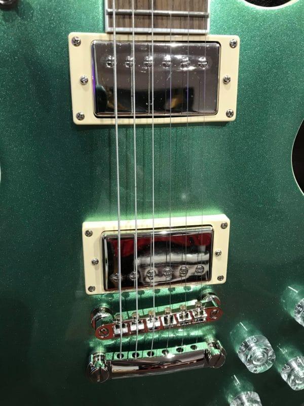 corps de guitare électrique verte