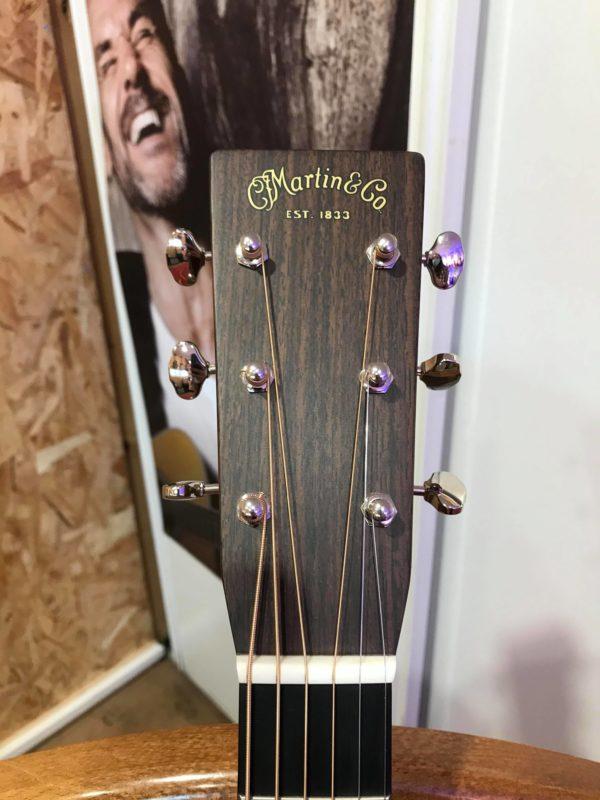 tête de guitare acoustique folk