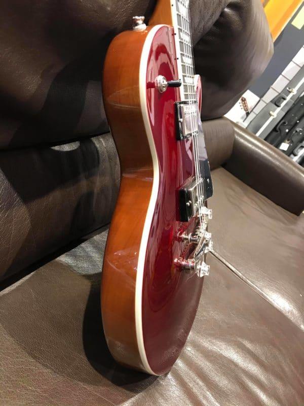 corps de guitare rouge électrique
