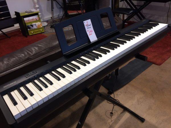 piano blanc et noir