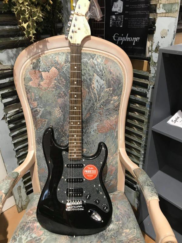 guitare électrique paillette et noire