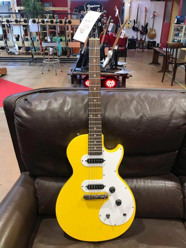 guitare électrique jaune