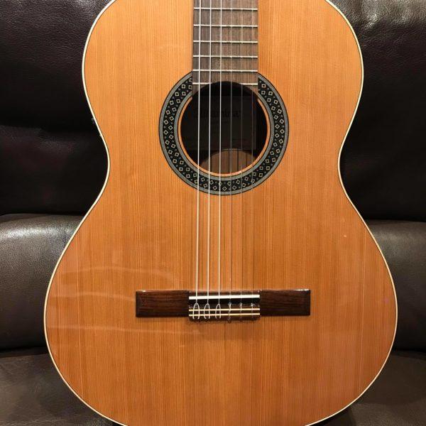 guitare classique marron
