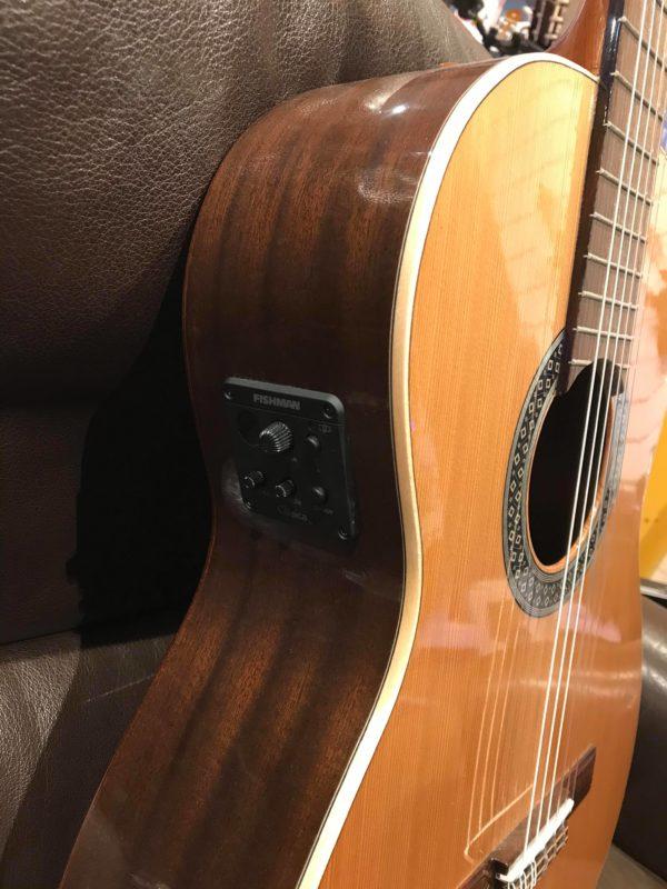 côté de guitare classique