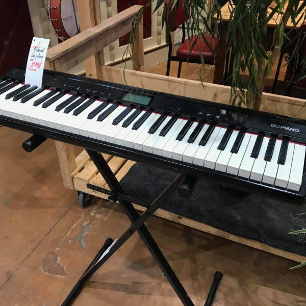 pinao clavier blanc et noir