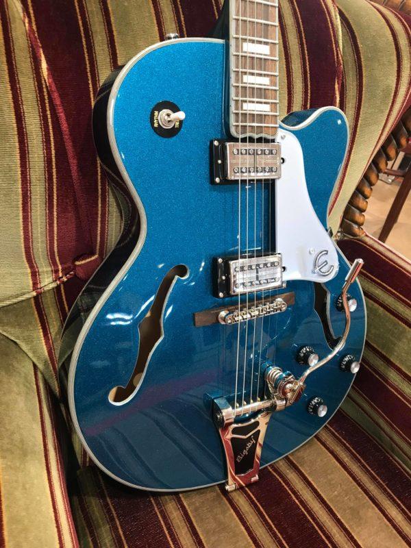 guitare bleue paillette