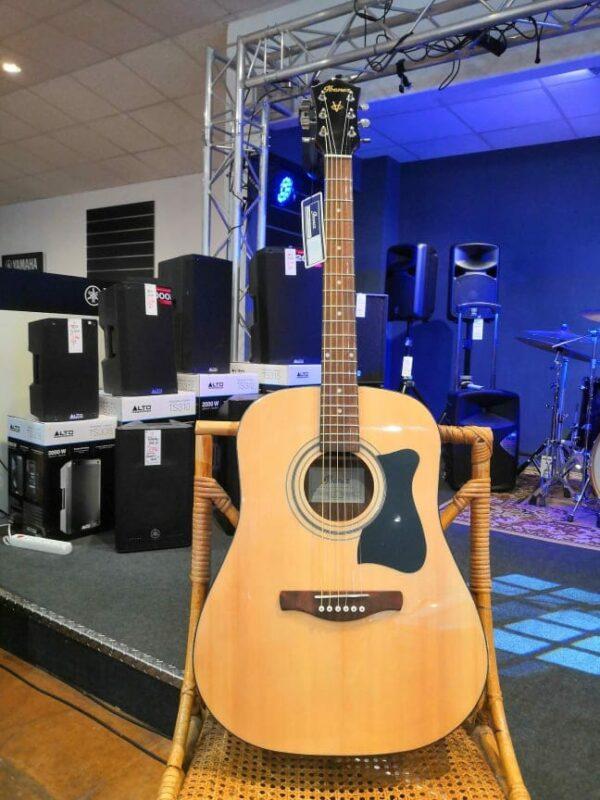 guitare folk bois